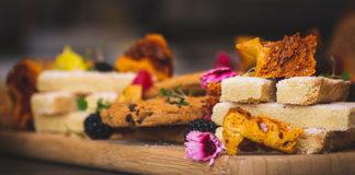Idealne ciasto drożdżowe – jak je upiec?